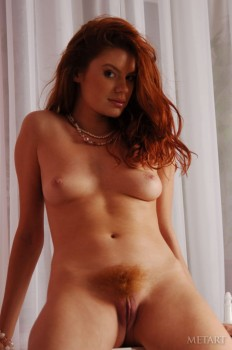 Hairy pussy of a sweet redhead